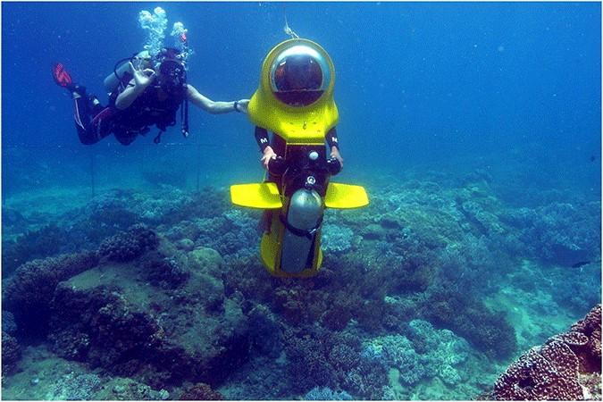 اسکوتر زیردریایی در کیش